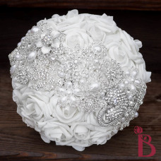 brooch bouquet with broach strip silver brooches silver pearls white roses