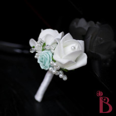 double rosebud boutonniere with tiffany blue rose and pearls
